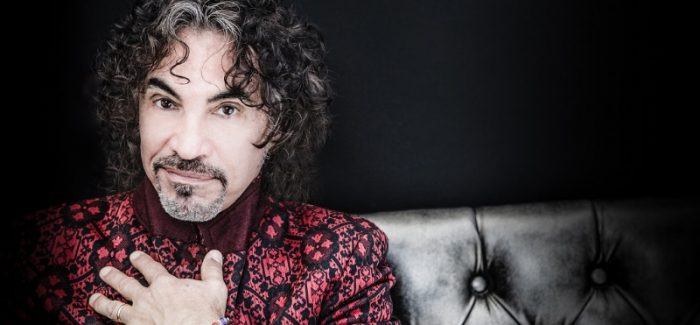 john-oates-red-coat-hi-res-photo-by-juan-patino-2013