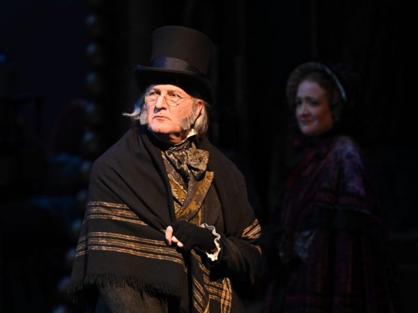 Analyzing Ebenezer: 'A Christmas Carol' Actor David de Vries on the Enduring Appeal of the Dickens Classic